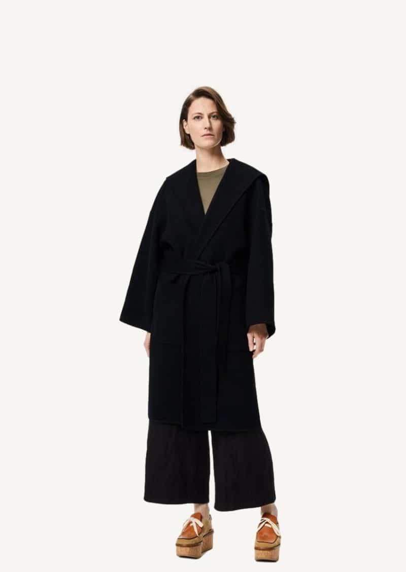 Manteau ceinturé à capuche en laine et cachemire noir