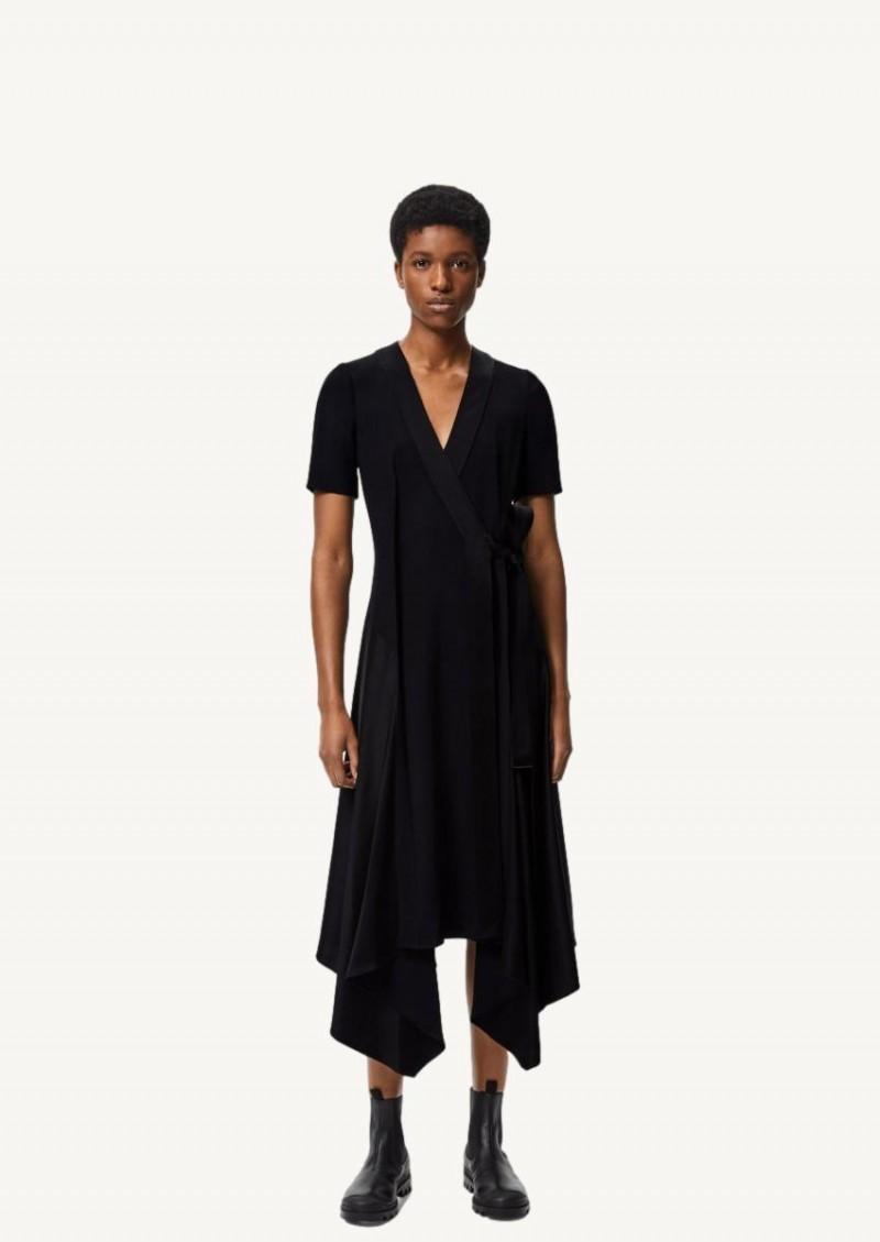 Robe midi portefeuille asymétrique en crêpe noire