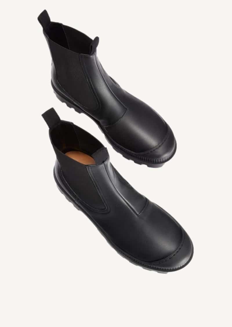 Black chelsea boot in calfskin