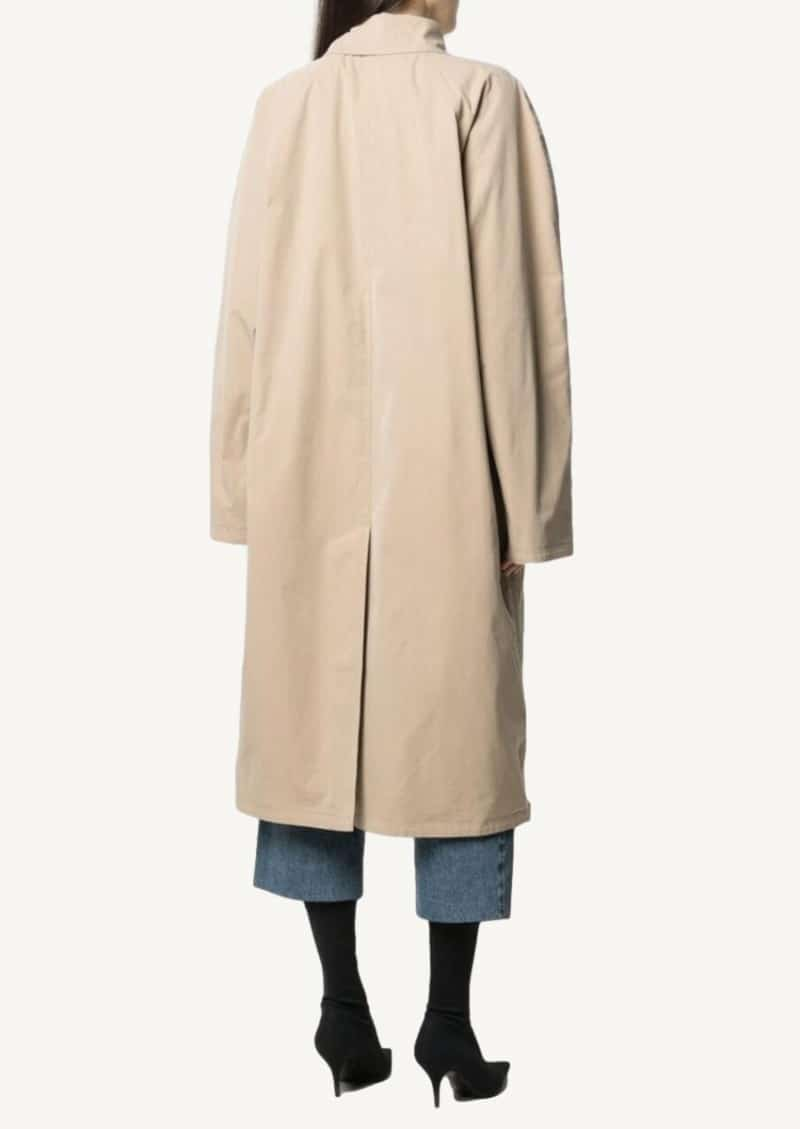 Beige single-breasted trench coat