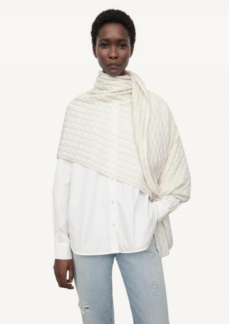 Off white twisted scarf in cashmere