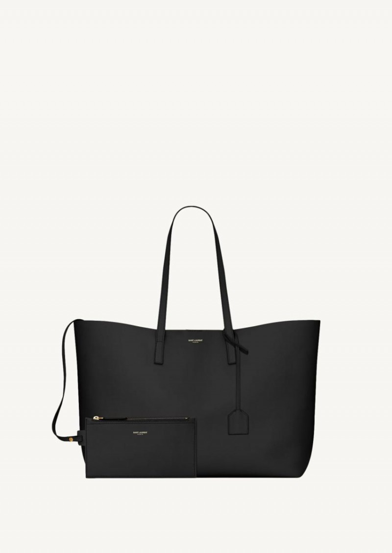 Black shopping bag in soft leather