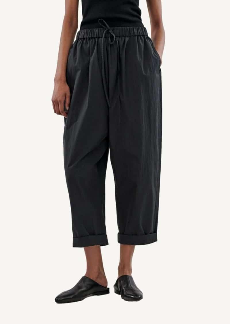 Pantalon à cordon noir