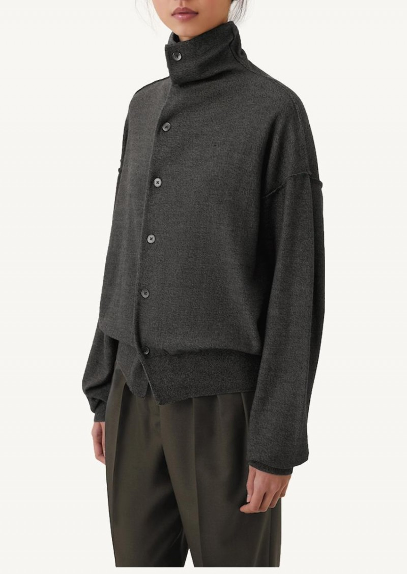 Submarine chine reversible sweater