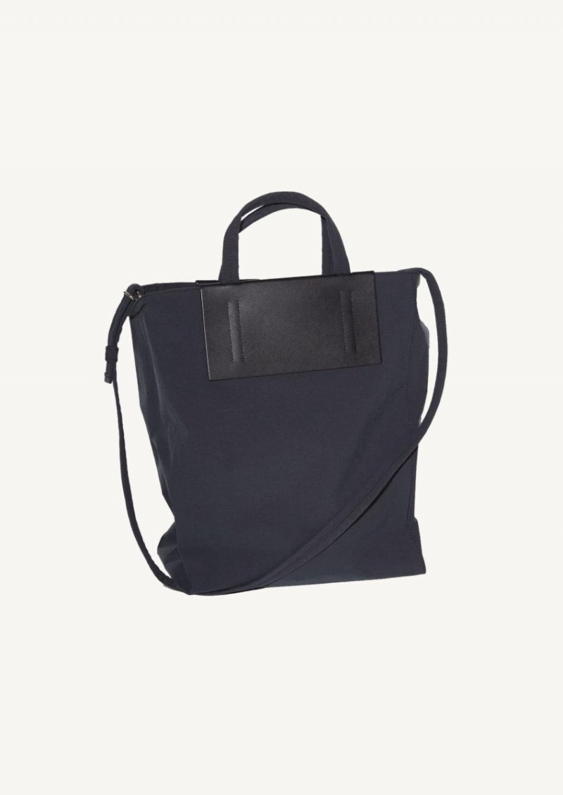 Black medium tote bag